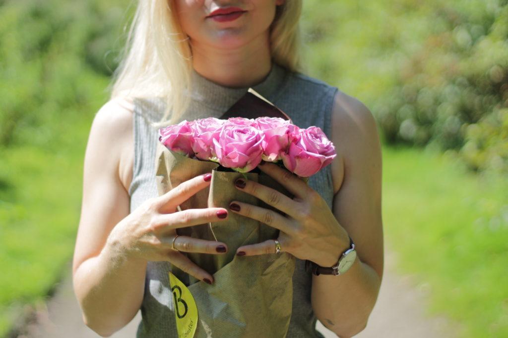 Skønne Jeanette Hardis shellac odense blogger negle roser munke mose lets blog some shit