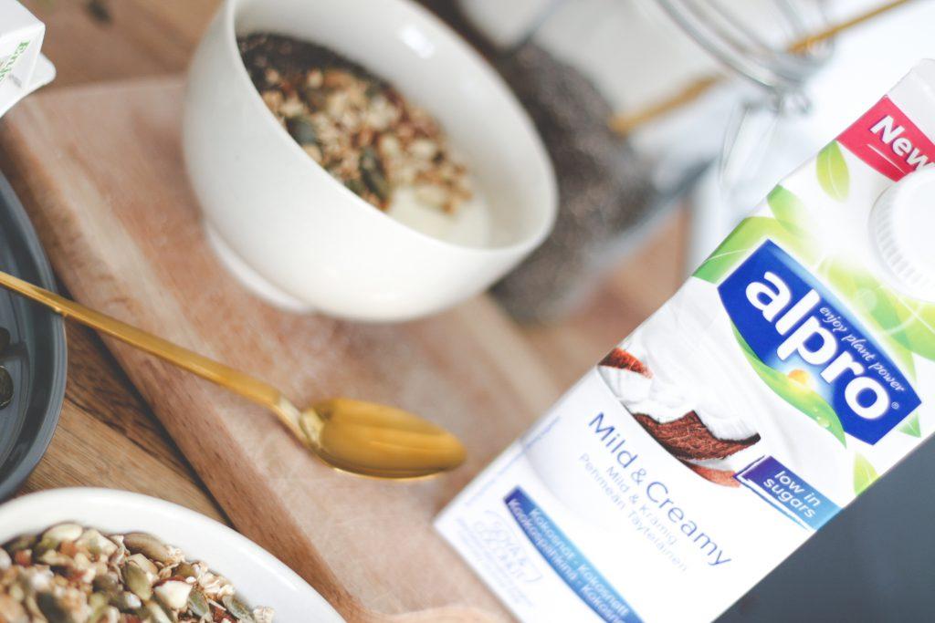 blogger-fra-odense-jeanette-hardis-lets-blog-some-shit-odensebloggers-god-morgen-alpro-produkter-morgenmad-yoghurt-laktosefri-6
