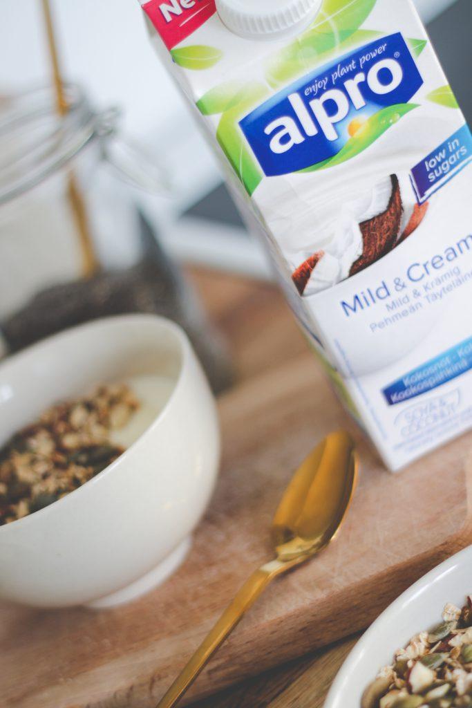 blogger-fra-odense-jeanette-hardis-lets-blog-some-shit-odensebloggers-god-morgen-alpro-produkter-morgenmad-yoghurt-laktosefri-7