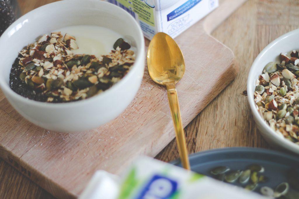blogger-fra-odense-jeanette-hardis-lets-blog-some-shit-odensebloggers-god-morgen-alpro-produkter-morgenmad-yoghurt-laktosefri-9